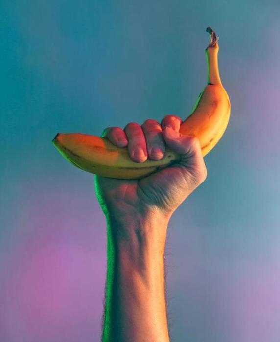 Чтобы улучшить сон, надо есть вишню, бананы и другие «чудо продукты»