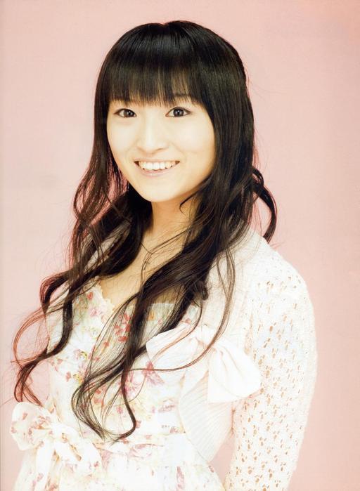 Поющая девочка голограмма из Японии, которая завоевала сердца миллионов