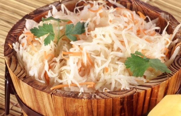 Кефир с солеными огурцами рецепт. Солёные огурцы и кефир диета. Почему этот дуэт нежелателен