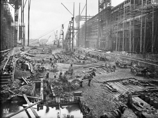 Фотографии строительства известных сегодня зданий и сооружений