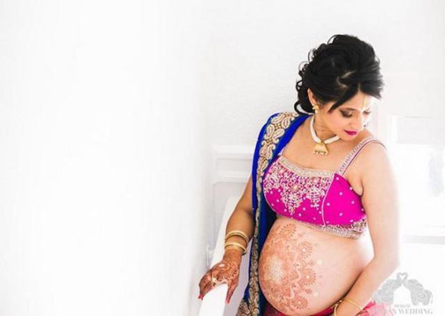 Уникальные кадры: Как беременная индианка решилась на фотосессию