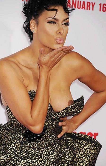Фото позора знаменитостей в платьях на красной дорожке кинофестивалей