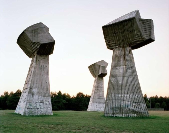 Гигантский соцреализм. Призрачные скульптуры из славного прошлого Югославии