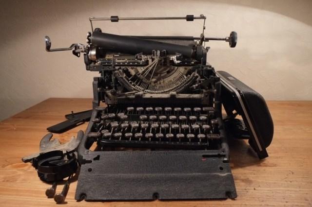 Кто создал пишущую машинку? Патент был получен в 1714 году!