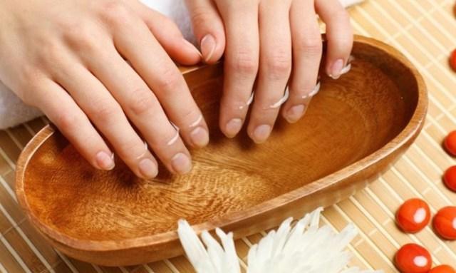 Что делать, если ногти на руках слоятся и ломаются: простые рецепты