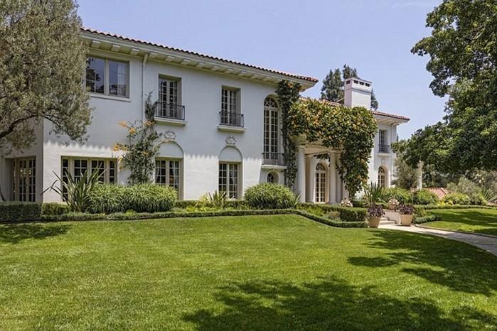 Где сейчас живет Анджелина Джоли с детьми