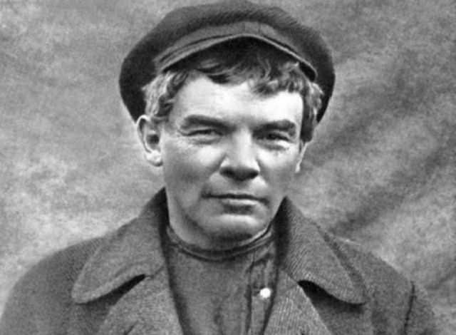 Почему Владимир Ульянов стал называть себя Лениным