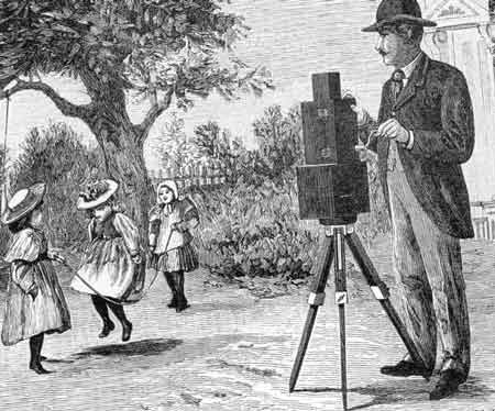 Кто же первым изобрел киноаппарат?