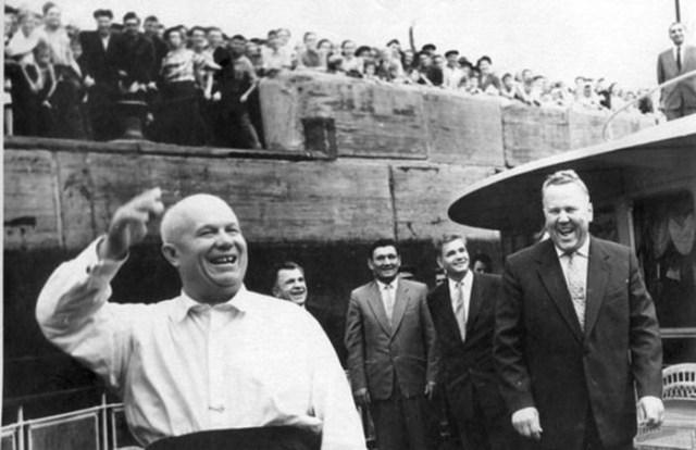Как доярки Хрущёва уничтожили СССР