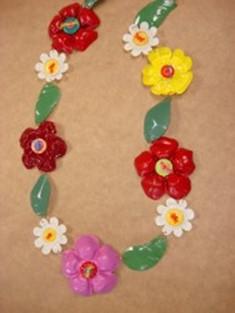 Как сделать из пластиковых бутылок украшения для девочек