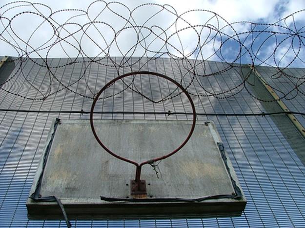 «Исправьте меня полностью». Заключенные американских тюрем делятся самыми жуткими вещами, которые им довелось увидеть