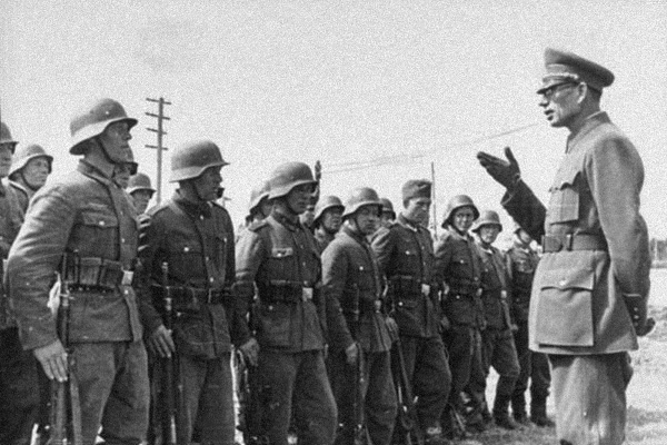 Каким был генерал Власов до того, как стал предателем