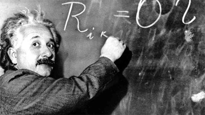 Любопытные факты о левшах: и Эйнштейн, и Джек Потрошитель, и мыши