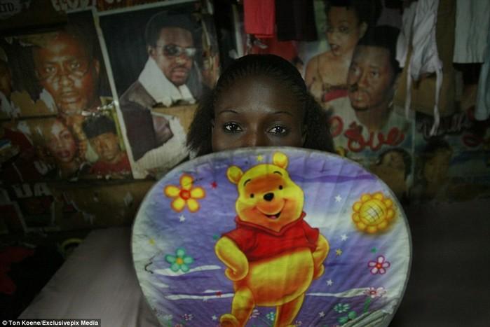 «Ангелы смерти»: фото проституток из Нигерии, где СПИД уносит 10 миллионов жизней в год