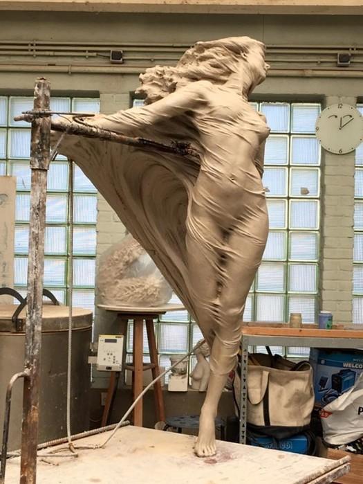 Посмотрите на эти прекрасные скульптуры! Кажется, что они сейчас оживут