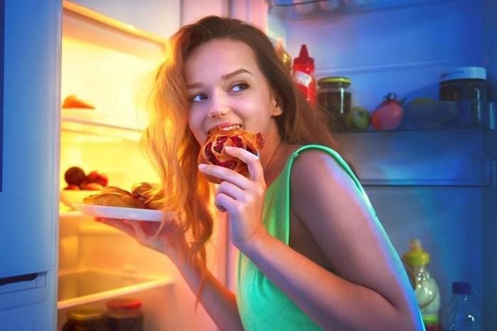 Почему есть перед сном полезно