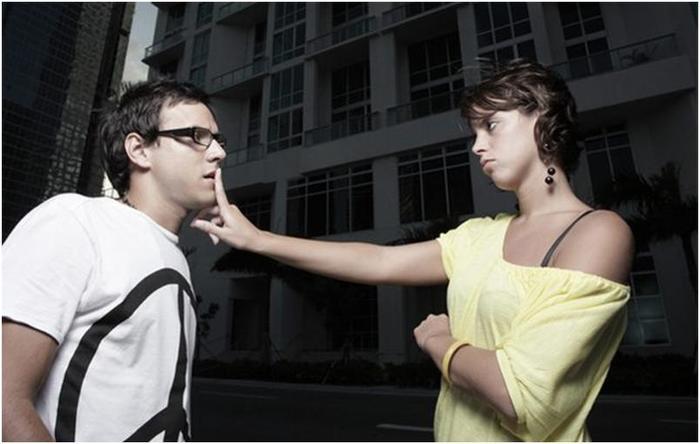 Женщины часто не понимают скрытый смысл этих мужских фраз...