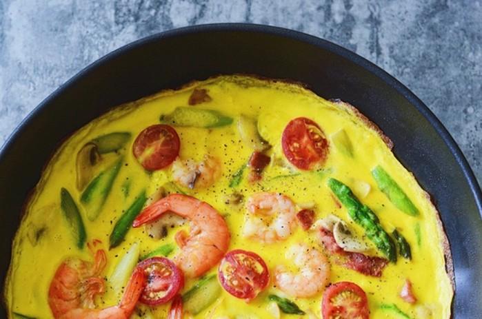 Королевский завтрак: омлет с креветками. Всего 90 калорий!