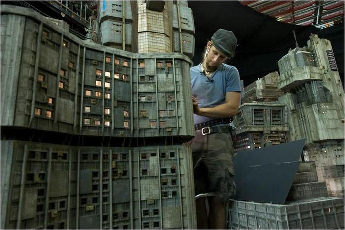 Как строили миниатюрные декорации «Бегущего по лезвию 2049»