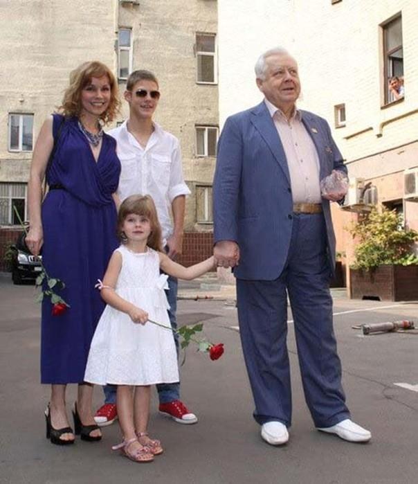 «Нет сил терпеть разлуку»: 81 летний Олег Табаков высказался о чувствах к супруге