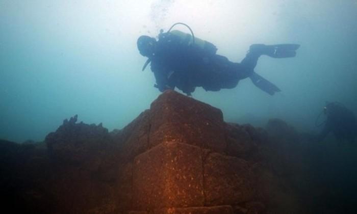 В Турции найден огромный подводный замок