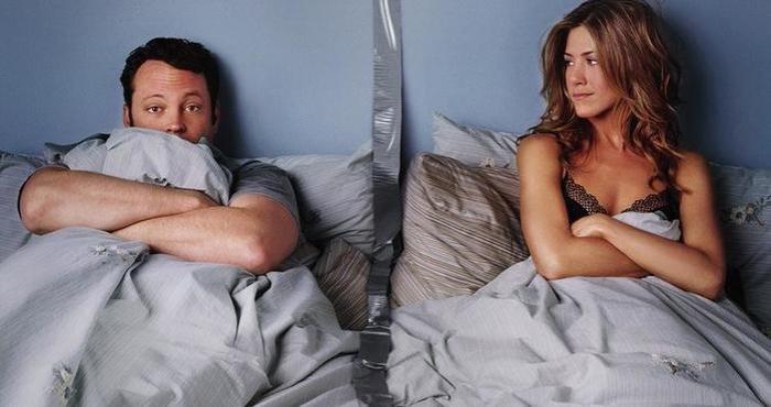 Раздельный сон супругов. Почему спать одному   полезно для здоровья