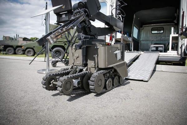 Почему американцы испугались боевых роботов из России