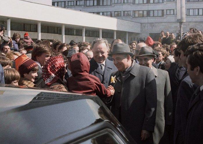 Почему руководство СССР решилось начать Перестройку