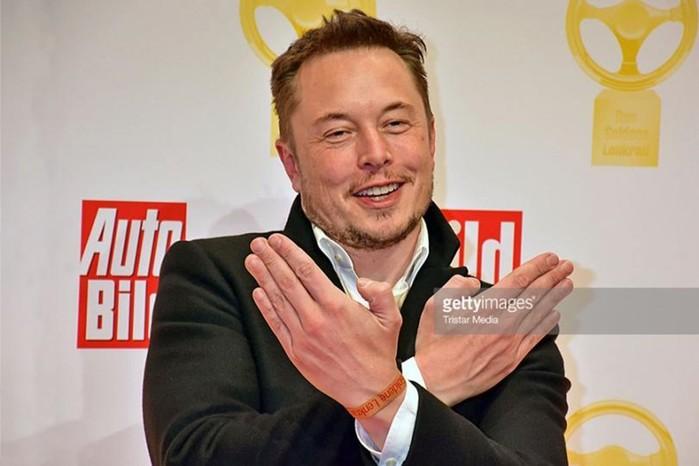 Новинка от Илона Маска— накопитель энергии Tesla Powerbank