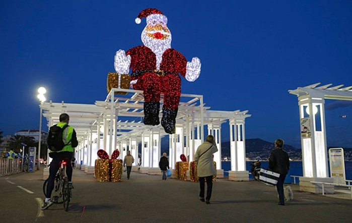 Санта Клаусы по всему миру!