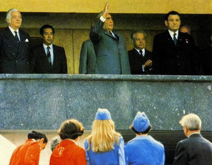 Что хорошего Леонид Брежнев сделал для советских людей
