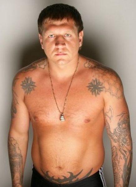 Что означает татуировка «воровские звезды»