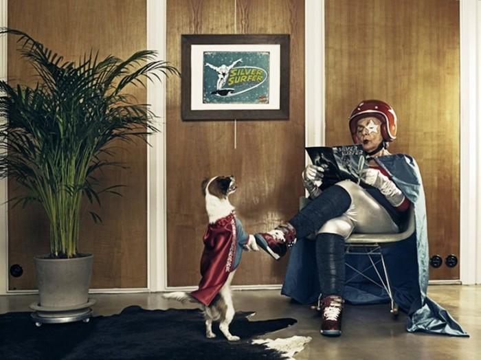Бабушка превращается в супергероя в фотоработах Саши Гольдбергера