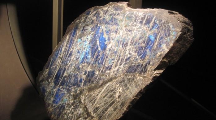 Странные и загадочные артефакты явно внеземного происхождения