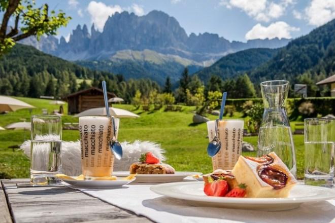 Экологичный отдых в отеле Cyprianerhof в Доломитовых Альпах
