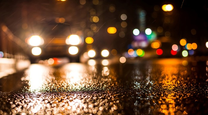 Как правильно водить машину ночью: важные советы