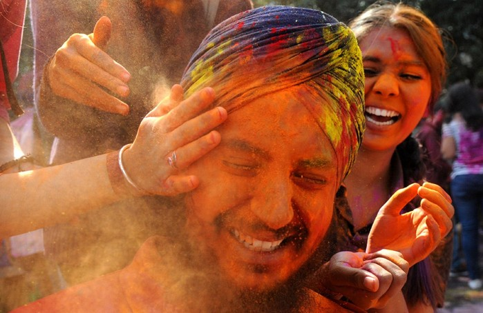 Индийский фестиваль красок Холи