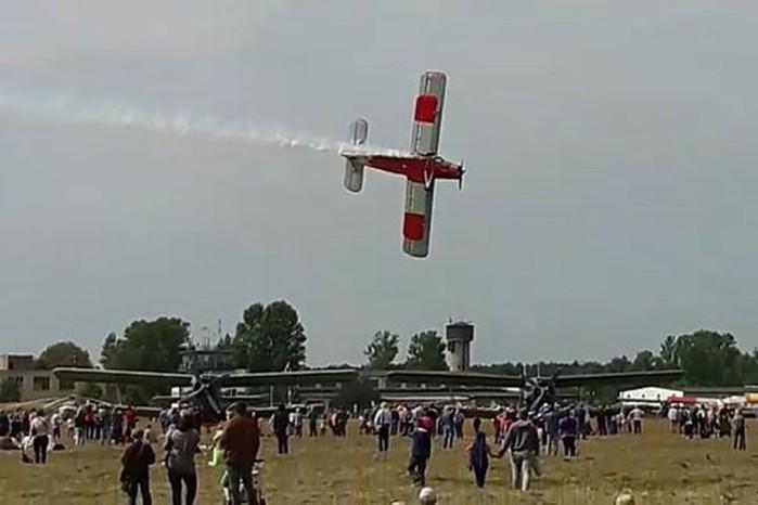 Самолет Ан 2: биплан, который умеет летать хвостом вперед