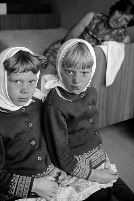 Девушка узнала, что ее мама выдающийся фотограф, когда нашла на чердаке более 30 тысяч негативов