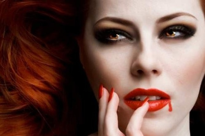 Игра контрастов: о вампирском макияже
