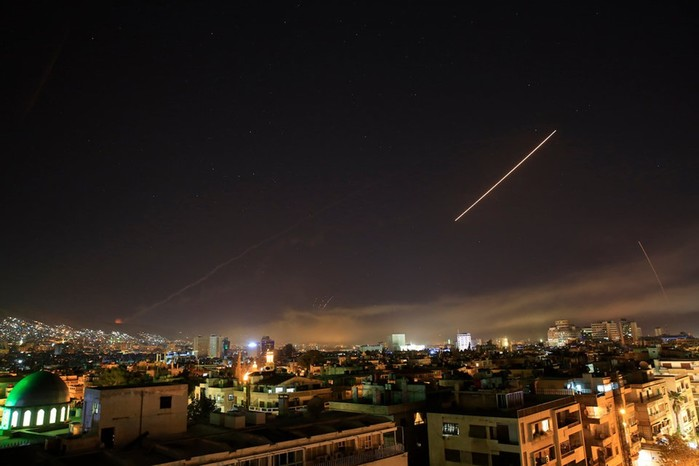 Фотографии ракетных ударов США по территории Сирии