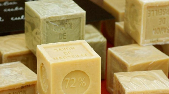 В чем опасность хозяйственного мыла: добавки и канцерогенный эффект