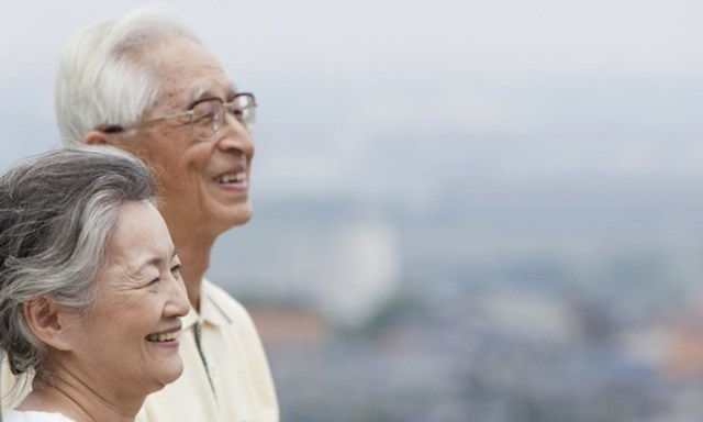Где самая большая продолжительность жизни: 10 стран, где люди живут дольше других
