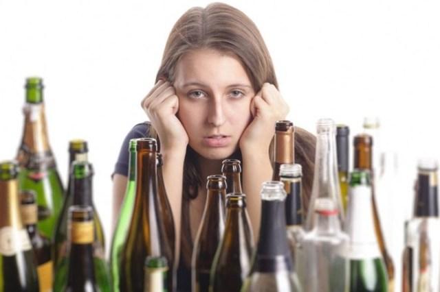 Ученые договорились, какую дозу алкоголя считать безопасной для здоровья