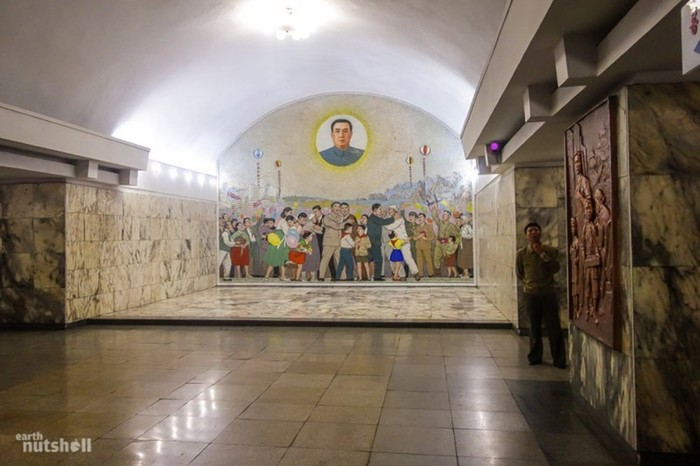 Самое закрытое метро в мире: Пхеньян глазами иностранца