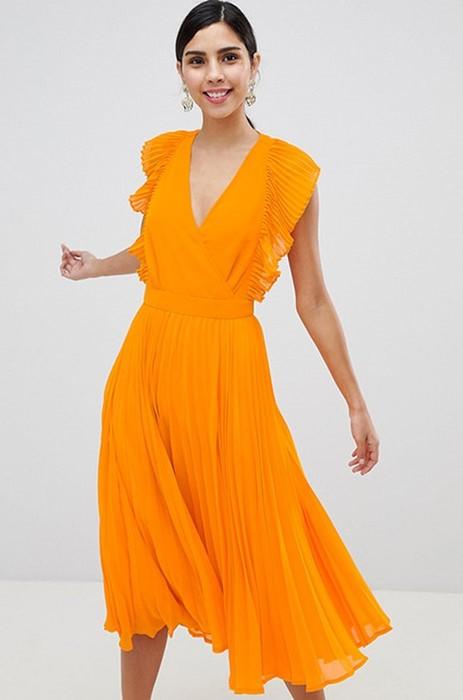 Последний звонок: 11 стильных платьев для выпускного
