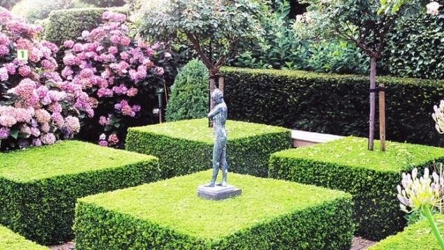 Чем отличается сад, оформленный в регулярном стиле