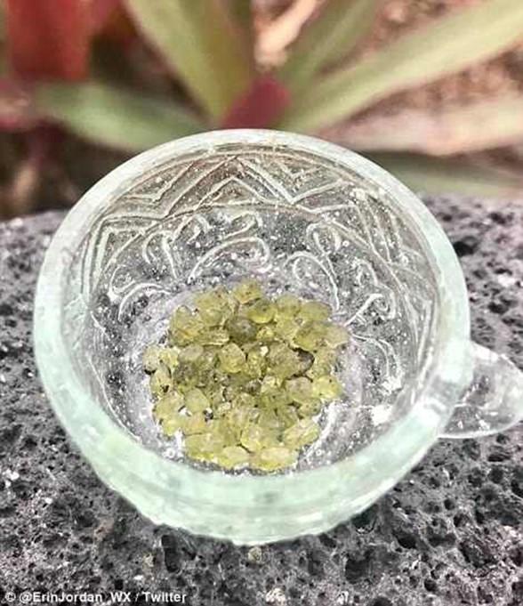 Драгоценные камни посыпались с неба на гавайцев