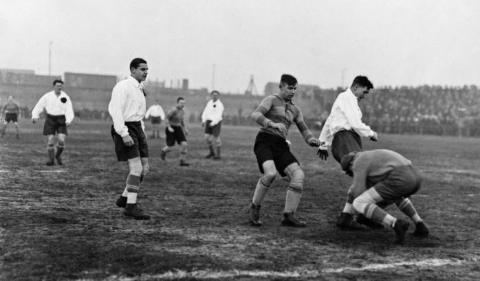 История футбола от древних греков до первого чемпионата мира