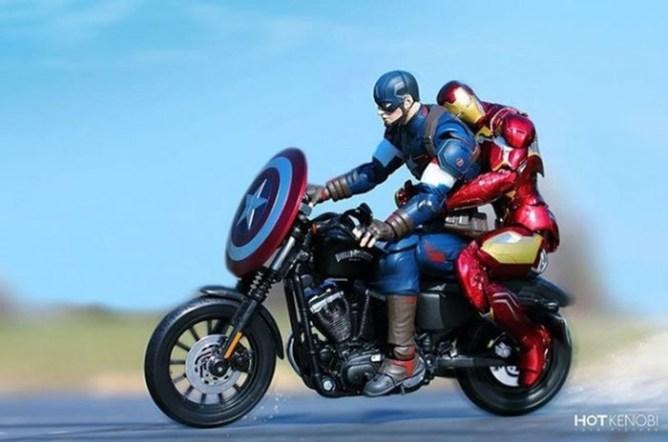 Японский фотограф оживляет фигурки супергероев
